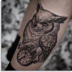 böse eule coole tattoo ideen männer tattoos männer