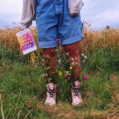 The Sun is Also a Star - Nicola Yoon Nicola Yoon, Book Review, Grass, Overalls, Sun, Books, Summer, Catsuit, Livros