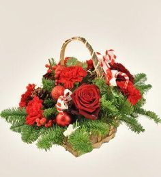 Doar pe www.123flori.ro Floral Arrangements, Christmas Wreaths, Floral Wreath, Flower Baskets, Holiday Decor, Home Decor, Floral Crown, Decoration Home, Room Decor