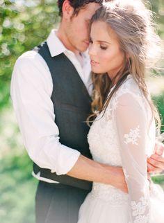 Elegant Outdoor Summer Wedding Inspiration   Photos by Connie Whitlock