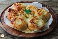 Girelle+di+pasta+sfoglia+con+salmone+e+zucchine+-+Con+videoricetta