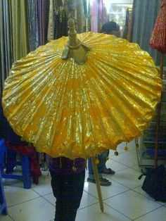 Magnificent golden parasol (original source unknown)