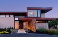 A Jewel Lost In The Sand By Swatt Miers Architects (10)