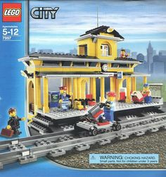 7997-1: Train Station | Brickset: LEGO set guide and database Lego City Sets, Lego Sets, Lego Train Station, Train Stations, Lego Books, Lego Christmas, Lego Trains, Fire Emblem Awakening, Fullmetal Alchemist Brotherhood