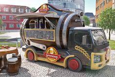 O projeto do food truck temático Germany Beer e Food foi desenvolvido pela CENOGRAFIA 3D. Seguindo o tema de chopp, seu design conta com barril de chopp, calotas de tampinha de cerveja, abridor de garrafa cenográfico e muito mais. Fique por dentro!