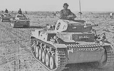 Panzer II of the Panzer Divison in North Africa. Panzer Ii, Mg 34, Afrika Corps, North African Campaign, Erwin Rommel, Italian Army, Ww2 Pictures, Man Of War, Ww2 Tanks
