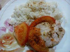 Рис з індичим стейком під помідором