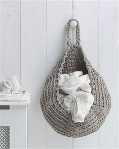 Free Crochet Pattern For Laundry Bag : Hanging storage crochet on Pinterest Hanging Baskets ...