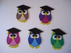 búhos graduados en goma eva, realizado por Giovanna marconi  O.