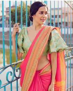 Wear these off-beat blouse designs with a designer saree for your BFF's wedding. We have picked 15 latest saree blouse designs that are ruling the fashion circles just for your Saree Jacket Designs, Sari Blouse Designs, Fancy Blouse Designs, Designer Blouse Patterns, Saree Blouse Patterns, Design Patterns, Blauj Design, Sari Design, Choli Designs