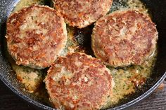 The BEST Turkey Burgers. Juicy, tender turkey burgers are the perfect lean alternatives to cook for dinner or on the grill. So flavorful and juicy, it will be your favorite recipe. Cooking A Frozen Turkey, Cooking Turkey Burgers, Best Turkey Burgers, Grilled Turkey Burgers, Turkey Burger Recipes, Beef Burgers, Hamburger Recipes, Veggie Burgers, Vegetarian Barbecue