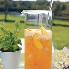 We love coffee, but nothing beats a tall glass of iced tea on a hot summer day. As SELF has previous