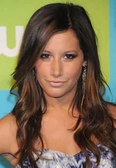 Dark Brown Hair With Caramel Chunks. I want this color, and this length. Love it!!!! :-)
