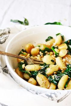 Gnocchi…Gnocchi, gnocchi, gnocchi. You are so tender and potato-y and delicious. Have you ever had gnocchi before? If you haven't, YOU ARE MISSING OUT, PEOPLE! They are iiiiitttyyy bitt…