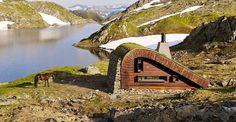 Imagen de 'La Caza', una construcción sostenible que se... Casas que 'emanan' del paisaje  Desarrollo de una cabaña por el gabinete de arquitectura Snøhetta  http://www.elmundo.es/economia/2015/08/12/55c8be8de2704e7d028b4591.html vía @elmundoes