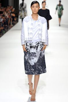 Dries Van Noten Spring 2012 Ready-to-Wear Fashion Show - Shu Pei Qin