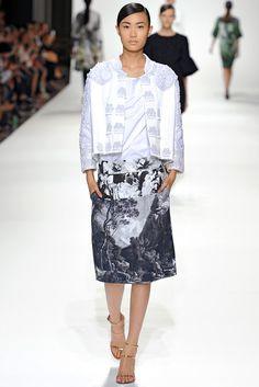 Dries Van Noten Spring 2012 Ready-to-Wear Fashion Show - Shu Pei Qin