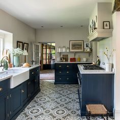Patterned flooring kitchen flooring ideas Polly Eltes