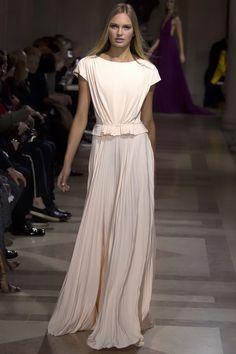 Carolina Herrera Fall 2016 Ready-to-Wear Fashion Show - Romee Strijd