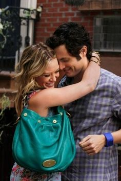 Still of Penn Badgley and Hilary Duff in Gossip Girl (2007)