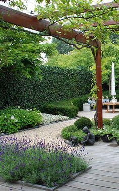 Garden Design Layout - New ideas Garden Landscape Design, Small Garden Design, Small Gardens, Outdoor Gardens, Terrace Garden, Garden Paths, Sloped Garden, Mediterranean Garden, Garden Structures