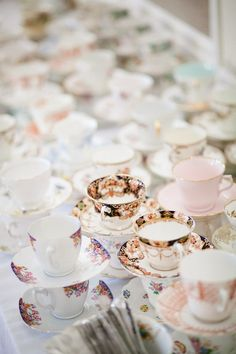 village hall wedding - tea cups <3