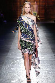 2016春夏プレタポルテコレクション - エミリオ・プッチ(EMILIO PUCCI)ランウェイ|コレクション(ファッションショー)|VOGUE JAPAN