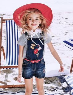 ALALOSHA: VOGUE ENFANTS: Must Have of the Day: The new Monnalisa's collections are extra girlie, age appropriate, and above all else, fun!