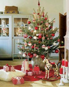 Schwedische Weihnachten - Mehr im - Christmas - New Ideas Christmas Mood, Noel Christmas, Rustic Christmas, Simple Christmas, Xmas, Hygge Christmas, Real Christmas Tree, Christmas Poster, White Christmas