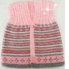 Baby clothes should be selected according to what? How to wash baby clothes? What should be considered when choosing baby clothes in shopping? Baby clothes should be selected according to … Pullover Outfit, Baby Pullover, Baby Cardigan, Baby Sweaters, Girls Sweaters, Baby Knitting Patterns, Free Knitting, Knitting Tutorials, Crochet Baby