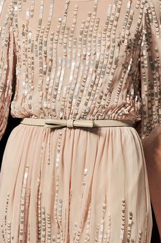 A todo Confetti is under construction Couture Details, Fashion Details, Glamorous Chic Life, A Todo Confetti, Couture Embroidery, Inspiration Mode, Fashion Outfits, Womens Fashion, Dream Dress