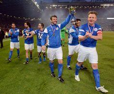 Soccer Aid over raised for Unicef on the night - magnificent. Soccer Aid, Matt Helders, Michael Sheen, Alex Turner, Arctic Monkeys, Martin Freeman, British Actors, David Tennant, Celebs