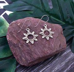 Etsy Jewelry, Boho Jewelry, Jewelry Art, Jewellery, Etsy Handmade, Handmade Items, Handmade Gifts, Silver Drop Earrings, Boho Earrings