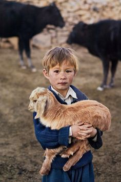 Children of the world art steve mccurry 28 New Ideas Human Photography, Film Photography, Animal Photography, Street Photography, Landscape Photography, Nature Photography, Fashion Photography, Wedding Photography, Chiang Mai