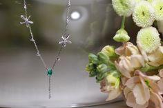 なんとも可愛らしいオーダーメイドリフォームネックレス!草原に咲くお花といった印象です。