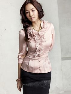 Park Min Young for Compagna. Wouldn't wear this pale pink, but I like the style and her hair.
