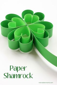 Looking for an easy and cute St. This paper Shamrock tutorial is a great craft for a fun decoration for your home, classroom, or party. Patricks day crafts for kids How to Make a Paper Shamrock Saint Patricks Day Art, St Patricks Day Crafts For Kids, St Patrick's Day Crafts, Paper Crafts For Kids, Diy Paper, Diy Crafts, Diy St Patricks Day Decor, March Crafts, Fete Saint Patrick