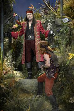 """The biggest challenge for the NBC musical """"Peter Pan Live! Peter Pan Live, Peter Pan Jr, Peter Pan Musical, Captain Hook Costume, Christian Borle, Peter And The Starcatcher, Peter Pan Costumes, Peter And Wendy, Allison Williams"""