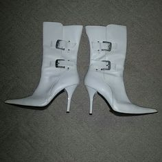 great shape ivory pointy heels boots sz 7 chatlott russ. pointy heels in great shape. size 7. ivory color. little sctratch on the heel as shown in the picture but you cant really see it. they almost look likr brand new Charlotte Russe Shoes