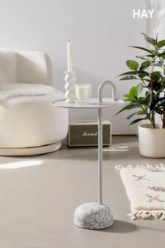 Set your small space apart with this modern-minimalist side table by HAY. Featuring a round granite base for an elegant touch, topped by a powder-coated steel frame and round tabletop with a built-in handle for flexible utility. Storing Books, Wooden Drawers, Apartment Furniture, Apartment Interior, Table Storage, Modern Minimalist, Custom Furniture, Cleaning Wipes, Home Accessories