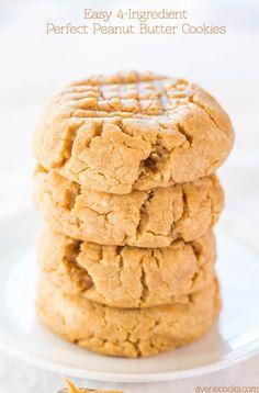 The Best Flourless Peanut Butter Cookies - Averie Cooks Gluten Free Recipes 4 ingredient gluten free peanut butter cookies Bolacha Cookies, Galletas Cookies, Flourless Peanut Butter Cookies, Peanut Butter Recipes, Chip Cookies, Cookies Et Biscuits, Cookies Soft, Pudding Cookies, Yummy Cookies