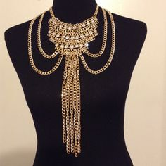 ✨✨✨ Glamorous statement necklace  ✨✨✨ Faux gold; clear gemstones; lobster claw closure; new; never worn Jewelry Necklaces