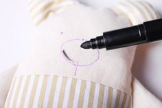 Hajánek - šitá hračka | Korálky.stoklasa.cz Projects To Try, Couture, Dolls, Pillows, Handmade Rag Dolls, Fabric Dolls, Simple Crafts, Craft Ideas, Throw Pillows