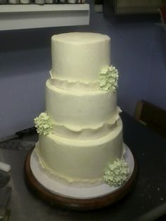 Simple Wedding cake, hydrangea