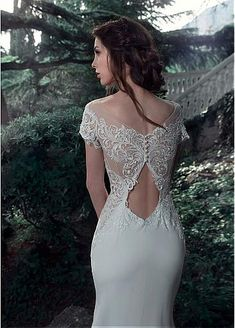 Fantastic Tulle & Chiffon Scoop Neckline Sheath Wedding Dresses With Beaded Lace Appliques