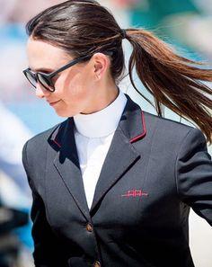 Bellissimo @georginabloomberg #aaridingstyle #georginabloomberg #customdesign #equestrian #style #wearwhatyouwant