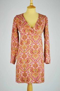 Mela Mela Vintage is a vintage clothing boutique for women. We have a huge selection of Womens vintage clothing. Vintage Dresses, Vintage Outfits, Paisley Design, 1960s, Bodice, Tunic Tops, The Originals, Pink, Clothes