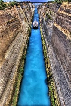 Beautiful Photos of Memorable Places in Greece The amazing Corinth Canal in Greece. absolutely adore this place, and the bungee jumping shop just around the corner! Corinth Greece, Corinth Canal, Places To Travel, Places To See, The Places Youll Go, Dream Vacations, Vacation Spots, Places Around The World, Around The Worlds