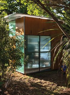 A New Zealand architect riffs on toy building blocks and Case Study houses for his children's backyard fort.