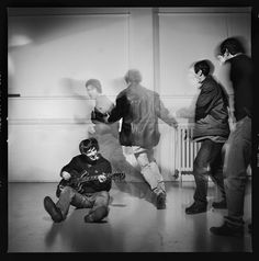 Sons of the stage: the story behind Oasis's rarely seen photographs – British Journal of Photography Lennon Gallagher, Noel Gallagher, Oasis Music, Oasis Band, Liam And Noel, British Journal Of Photography, The Verve, Band Photography, Britpop